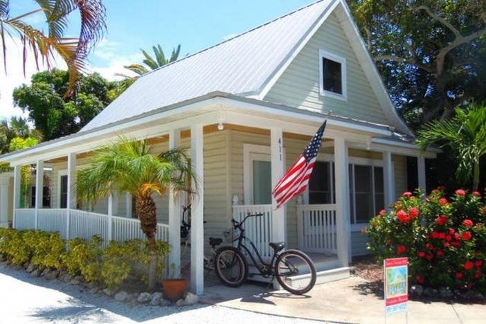 Welcome to Island Place Cottage - Island Place Cottage: 1BR Pet-Friendly Cottage - Anna Maria - rentals