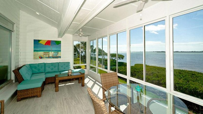 Sunroom | Beautiful Water Views - Tidy Island - Bradenton - rentals