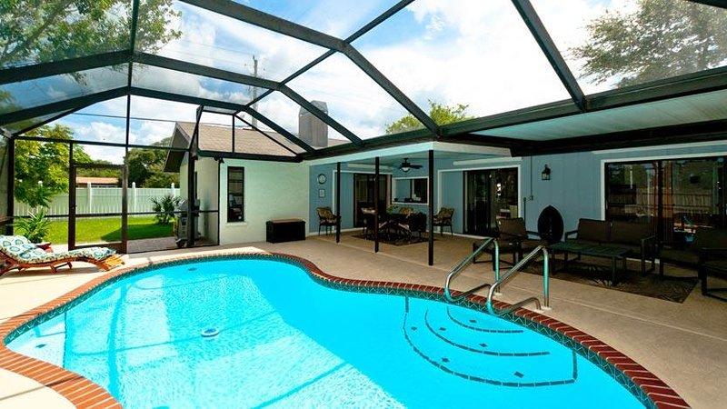Screened Patio and Pool - Casa de Capri - Bradenton - rentals