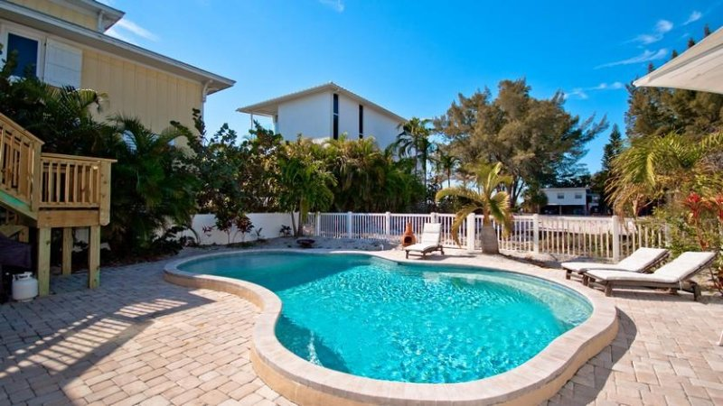 Welcome To Bradley's Beach House! - Bradley's Beach House: 4BR Pool Home Steps From Beach - Anna Maria - rentals