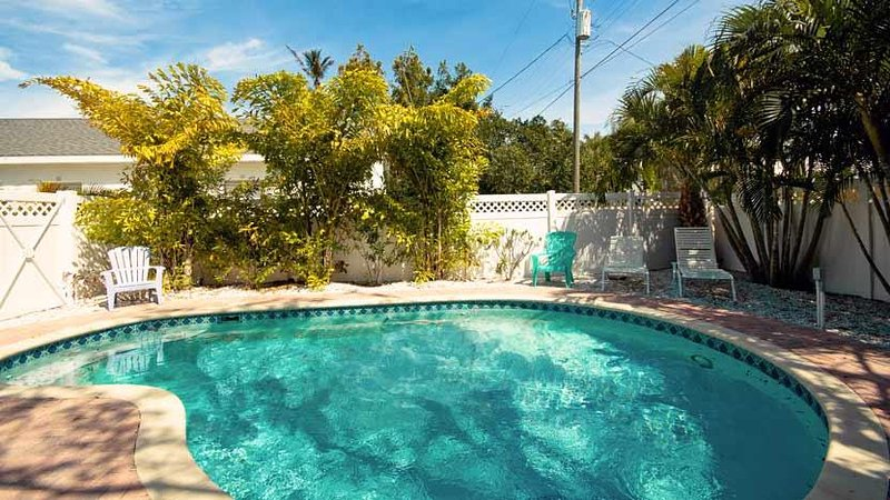 Heated 24x12 Pool - Pineapple Cottage: 2BR Quaint Pet-Friendly Cottage - Anna Maria - rentals
