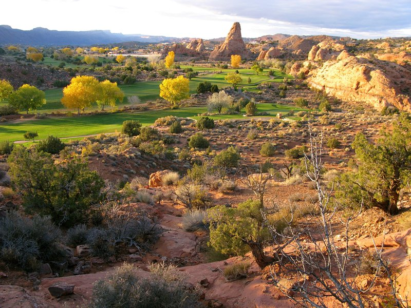 View from Mill Creek fins across golf course to condos. - Cozy (refreshened) 2BR Castillo Townhouse by Moab Golf Course / Great Location - Moab - rentals