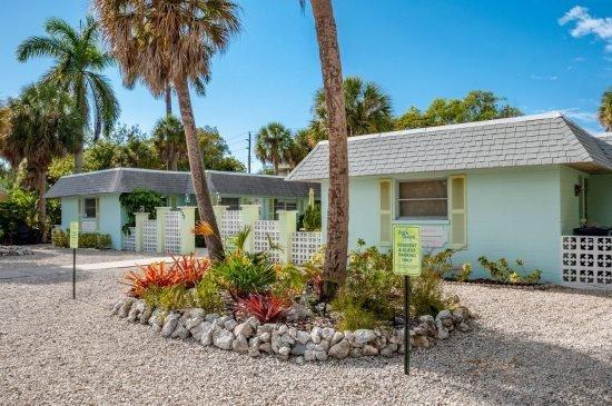 Palm Court Villas- 210 A Magnolia Ave, Anna Maria - Image 1 - Anna Maria - rentals