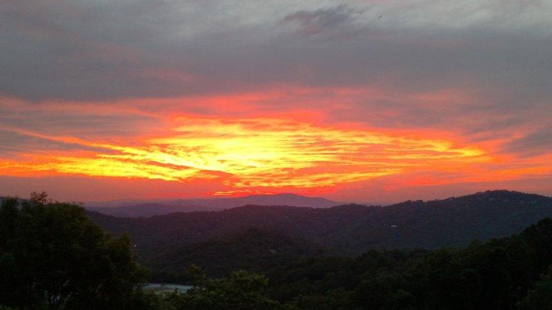 Appalachian View - Image 1 - Blowing Rock - rentals