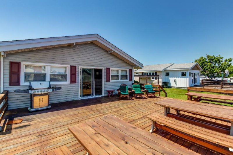 Waterfront retreat w/ private deck and dock - ocean access! - Image 1 - Ocean City - rentals