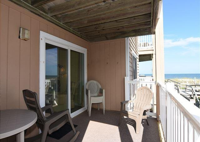 Sand Pebbles Ocean View Deck - Sand Pebbles A9- Unwind and enjoy this oceanfront condo with easy beach access - Carolina Beach - rentals