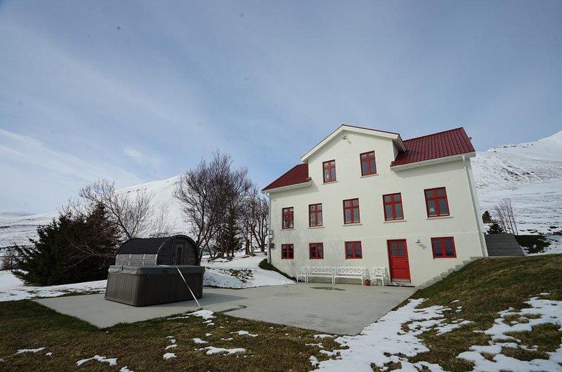 Karlsá Lodge - Image 1 - Dalvík - rentals