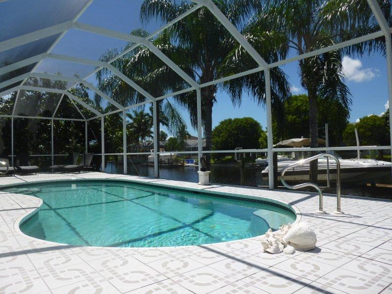 Pool and Boatsdock - Tropical Villa Pool Canal quick Gulf access Boat - Cape Coral - rentals