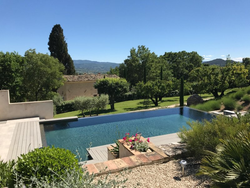 """Welcome to our gites and pool! - Fabulous 1 Bedroom Cottage with a """"Zen"""" Pool, View of Luberon, WiFi - Saint-Saturnin-les-Apt - rentals"""