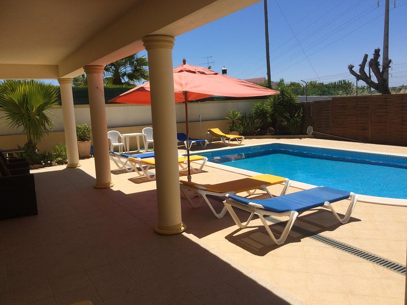 Plenty of shade on veranda on hotter days - Air conditioned 1 and 2 bedroom villa apartments (FREE Wi-Fi, close to Old Town) - Albufeira - rentals