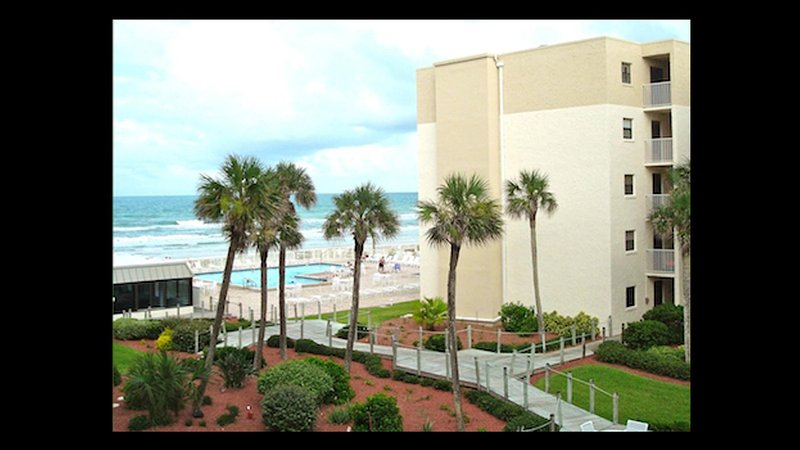 Living room - Oceanview 1 Bedroom-Great Rates and Great Reviews - New Smyrna Beach - rentals