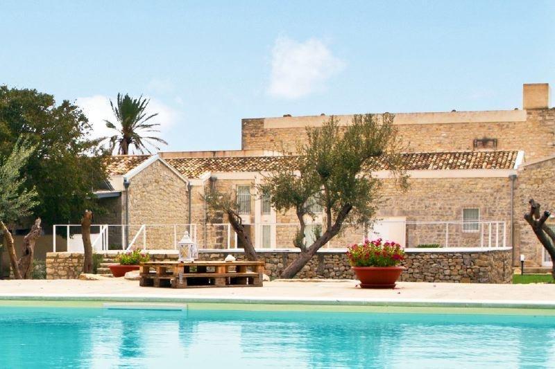 Large Villa in Southern Sicily with Pool Near Modica - Villa Corallo - 12 - Image 1 - Modica - rentals