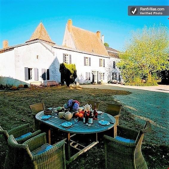 Brilliantly Restored France Villa in Aquitaine - La Ferme de la Dronne - Image 1 - Chenaud - rentals