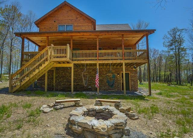 Fire Pit - Brand new lake area home close to Lodestone Golf Course! - McHenry - rentals