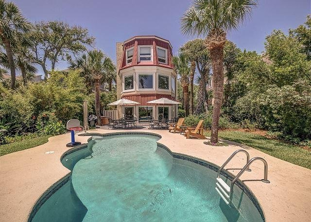 Exterior - 124 N Forest Beach Ct-Oceanfront, Pool & Hot Tub - Hilton Head - rentals