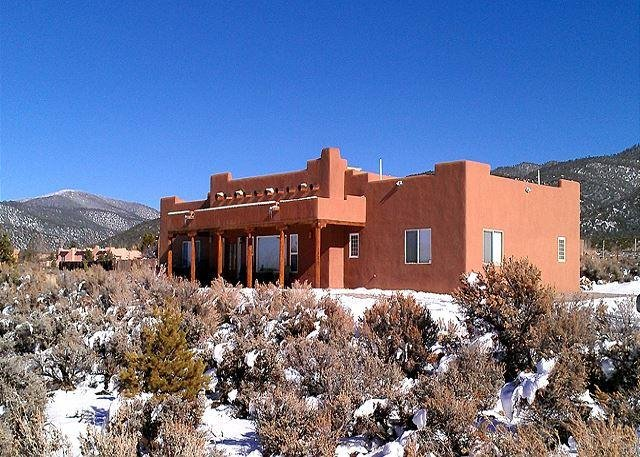 Heathers Hacienda 1 Town VIews CIty Lights Evap cooling hot tub - Image 1 - Taos - rentals