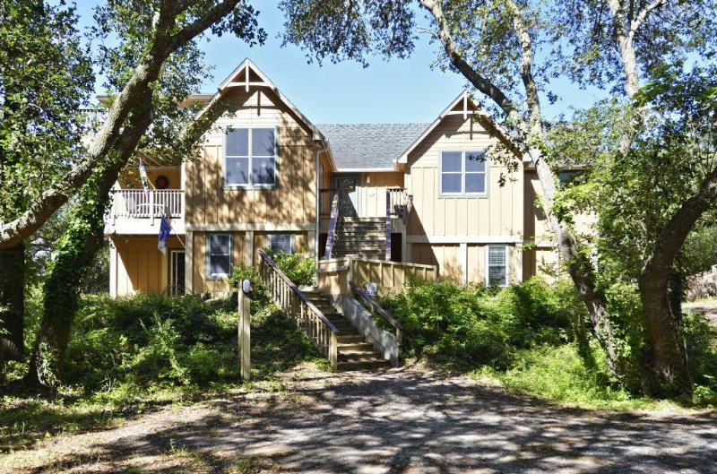 FLIP FLOP INN -an Outer Banks Beach House - Image 1 - Southern Shores - rentals