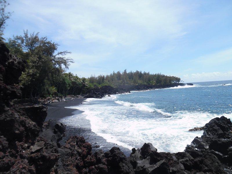 Kehena Beach 1 mile walk from house. Clothing optional. - Kehena Beach Getaway.Oceanviews - Pahoa - rentals