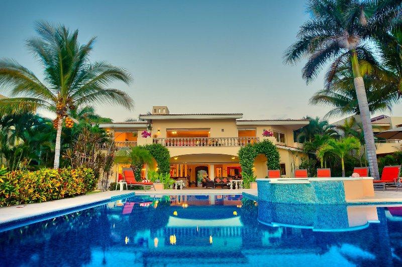 Beachfront pool terrace - Villa del Tigre - Beachfront! - San Pancho - San Pancho - rentals
