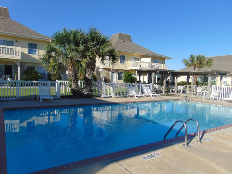 Perfect Location for Your Vacation! Now with Golf Cart Beach Access! - Image 1 - Port Aransas - rentals