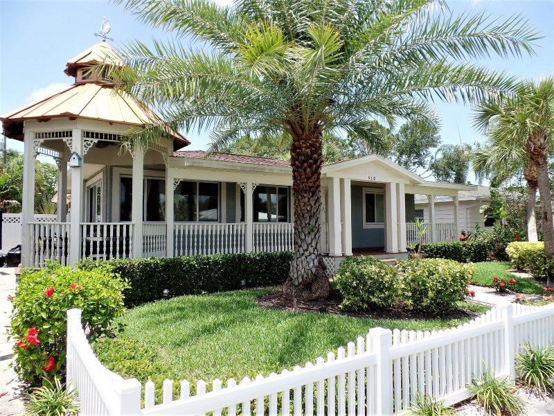 Frontal View of Home... - Exclusive Tropical Retreat in Sunny Clearwater Bea - Clearwater - rentals
