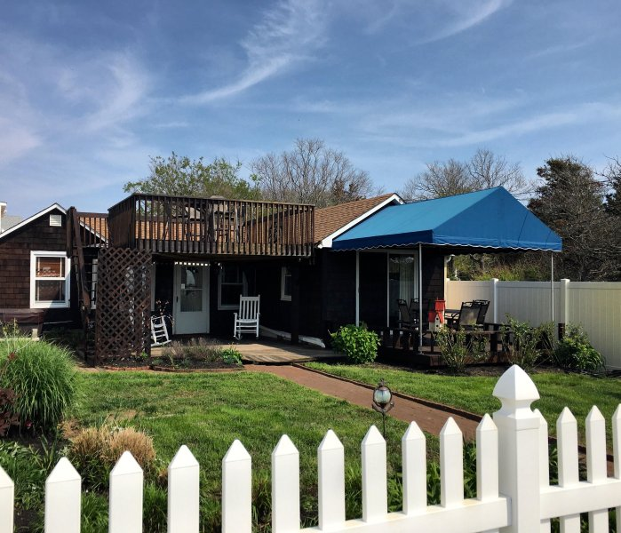 Charming bay front cottage with panoramic views! - BAY FRONT* MAID SERVICE* PETS OK * HOT TUB* WIFI - Cape May - rentals