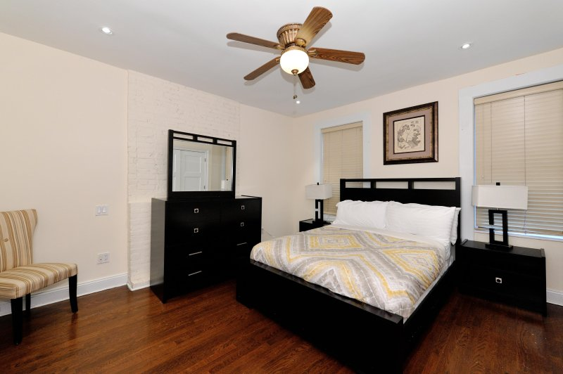 Upper East Side stunning 4 bedroom 2.5 bathroom private townhouse # 8623 - Image 1 - Manhattan - rentals