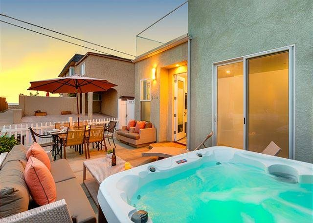 Steps to ocean, enjoy this large patio with private hot tub. - 10% OFF JUNE - Brand new hot tub, steps from Beach and Bay! - San Diego - rentals