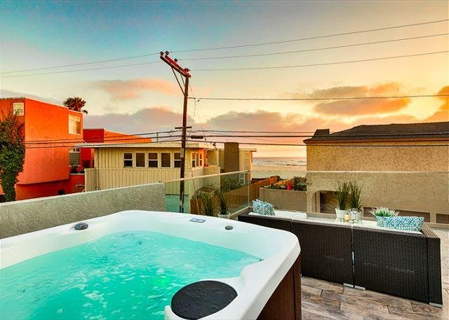 New hot tub with ocean views and amazing sunsets. - 10% OFF JUNE DATES - New Hot Tub - Steps to Beach & Bay - San Diego - rentals