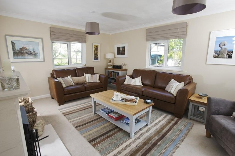 The Retreat located in West Lulworth, Dorset - Image 1 - Isle of Purbeck - rentals
