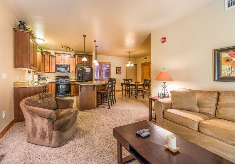 Living Room Area - Recession Discount! Park City 3-Bedroom Condo! - Park City - rentals