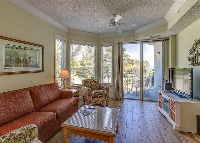 Living Area - 2113 SeaCrest-1st Floor, steps to the beach & Coligny. Landscape View - Hilton Head - rentals