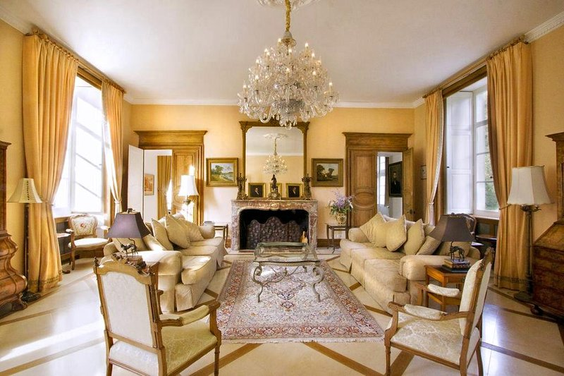 Chateau Gombardy - Image 1 - Beaumont-en-Veron - rentals
