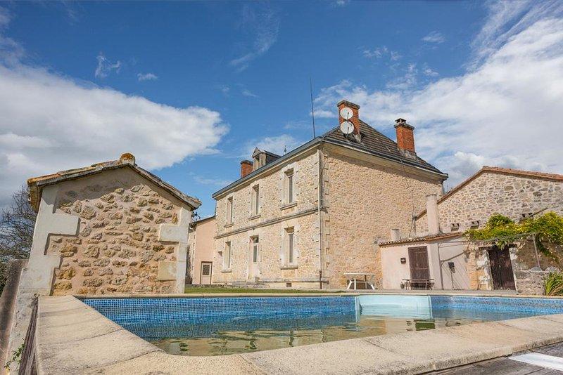 Manoir Beaulieu - Image 1 - Villefranche-de-Lonchat - rentals