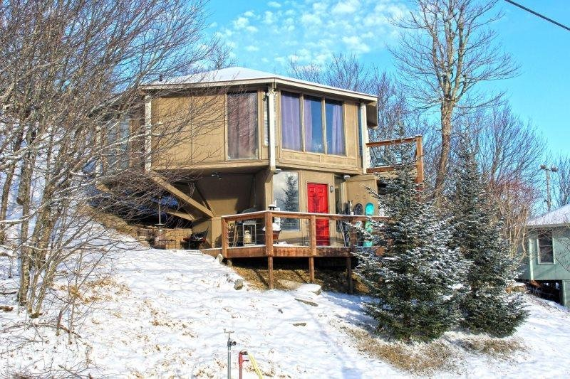 3BR Right on the Slopes of Beech Mountain, Huge Long Range Views, Hot Tub, Lots - Image 1 - Beech Mountain - rentals