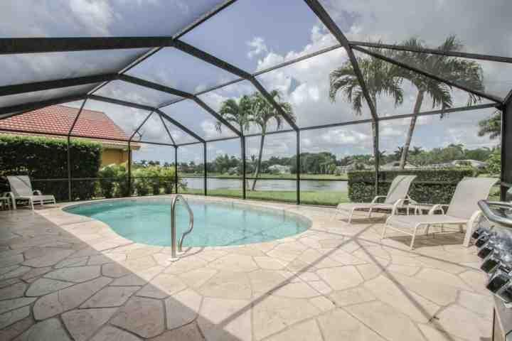 Spend endless hours relaxing on the lanai w/your own private heated pool overlooking tranquil lake views! - Briarwood, Pool Home (3 King beds/2 Twin beds) Enjoy Amazing Lake Views from - Naples - rentals