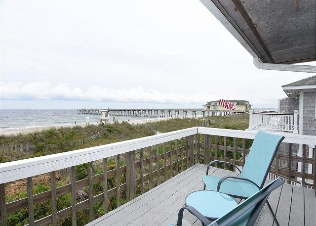 Laing Oceanfront Deck - Laing - Large Oceanfront beach house with 2 kitchens and living rooms - Wrightsville Beach - rentals