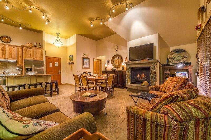 Jackpine Lodge 8024 - Completely renovated, beautiful decor, ADA compliant! - Image 1 - Keystone - rentals