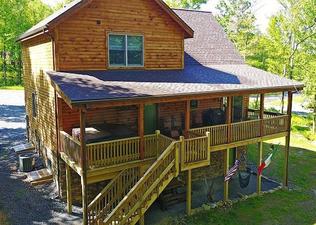Exterior - Brand new lake area home close to Lodestone Golf Course! - McHenry - rentals