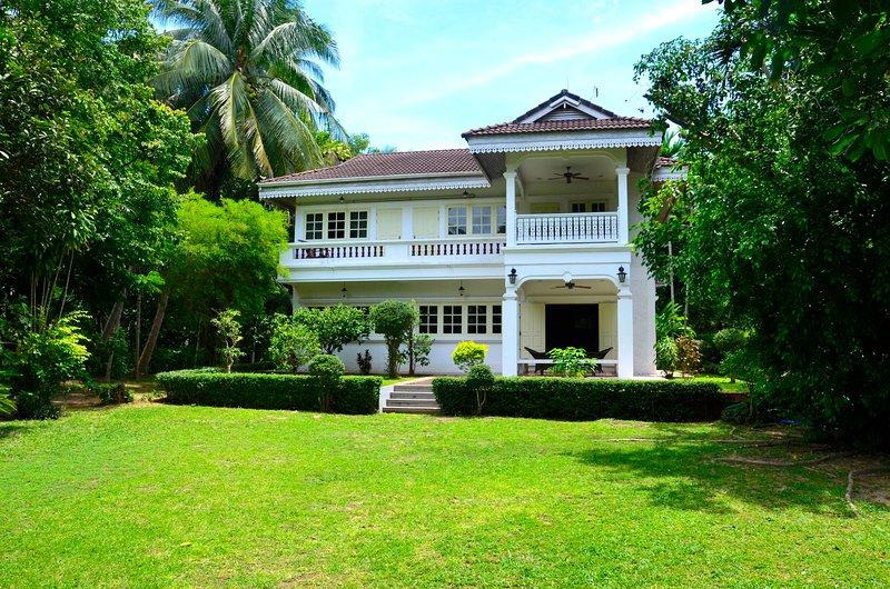 Beautiful 4 bedrooms Colonial Koh Samui - Image 1 - Mae Nam - rentals