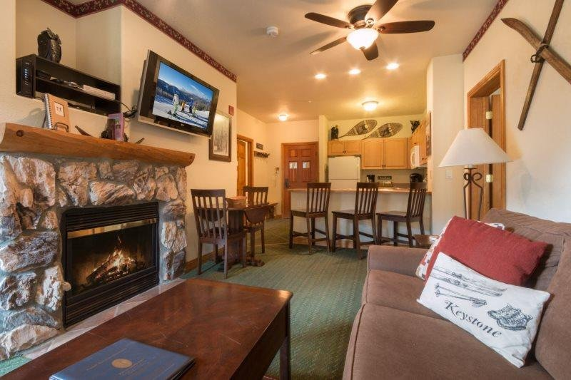 Hidden River Lodge 5975 - Walk to slopes, amazing ski area views! - Image 1 - Keystone - rentals