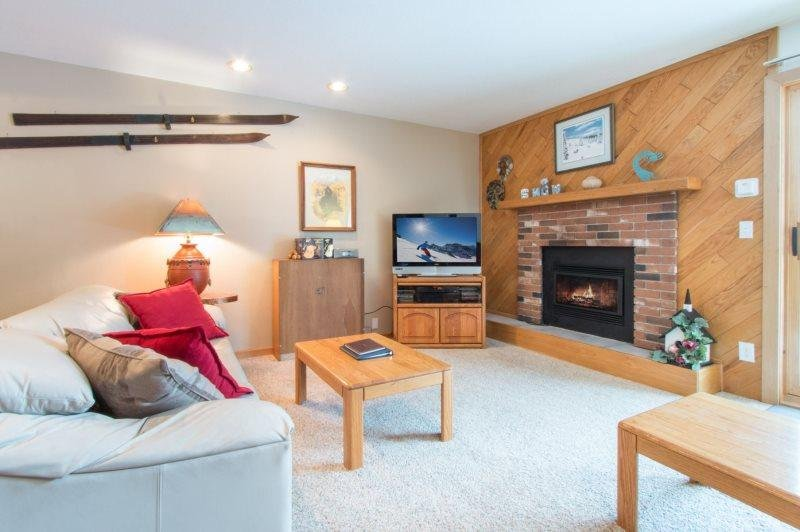 Snowdance Condominiums B102 - Walk to slopes, updated bathrooms and kitchen - Image 1 - Keystone - rentals