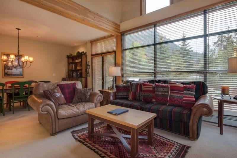 Ski Tip Townhome 8716 - On free shuttle, beautiful 2 story floor plan - Image 1 - Keystone - rentals