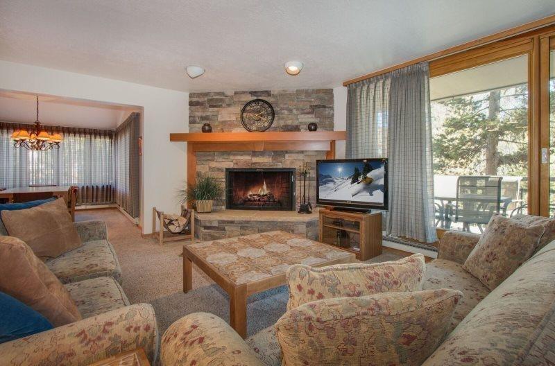 Pines Condominium 2038 - beautifully remodeled, spacious, ground floor - Image 1 - Keystone - rentals