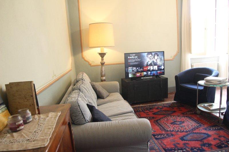 salotto/tinello - living /dining room - salon/salle à manger - Wohn-, Esszimmer - Fantastic 3 Bedroom Vacation Rental at Casa Ottolini - Lucca - rentals