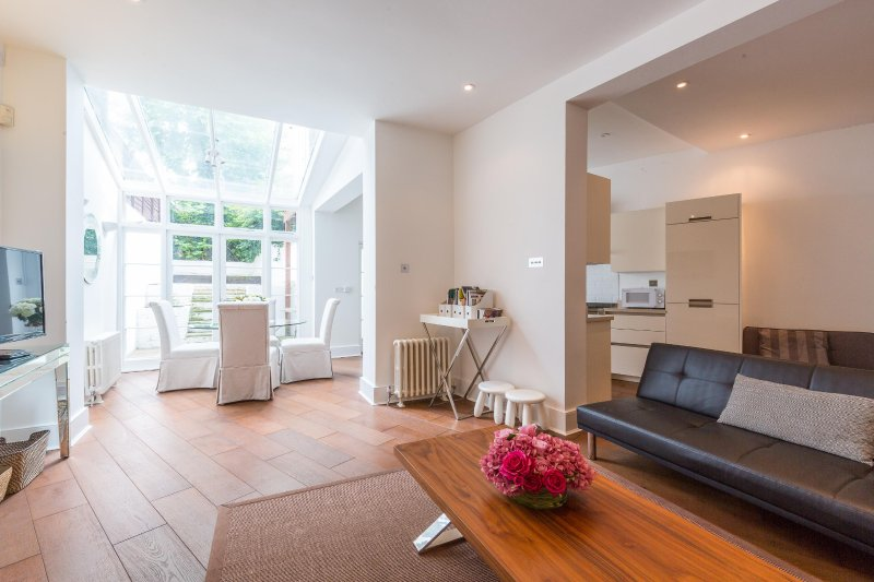 Cromwell Crescent, pro-managed - Image 1 - London - rentals