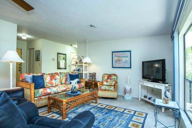 Living Room  - Sanibel, 2 BR Condo on quiet Bowmans Beach, Great Shelling - Sanibel Island - rentals