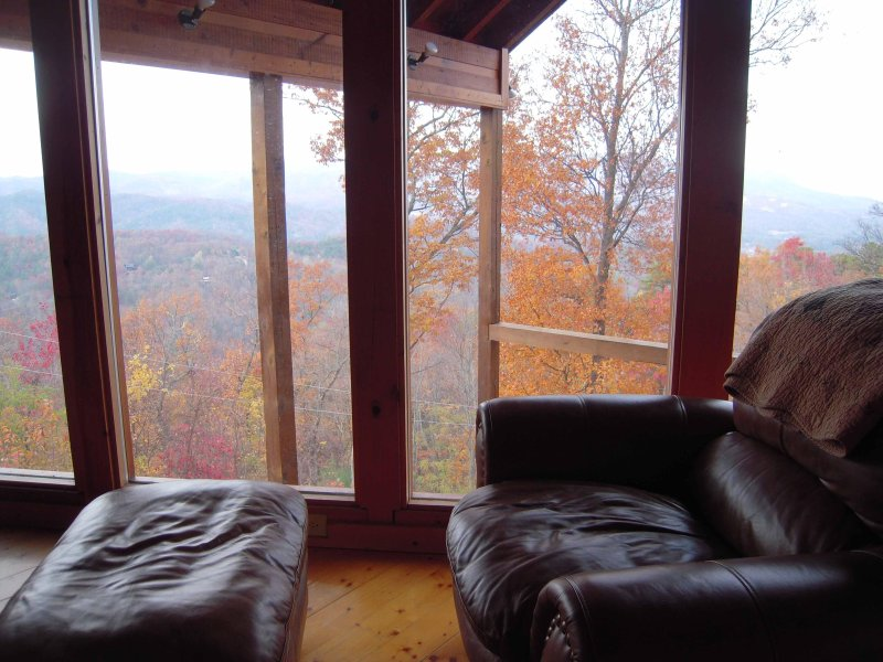 The best viewing chair in the cabin - 4 bedroom cabin with SPECTACULAR VIEW! Free Wi-Fi! - Pigeon Forge - rentals