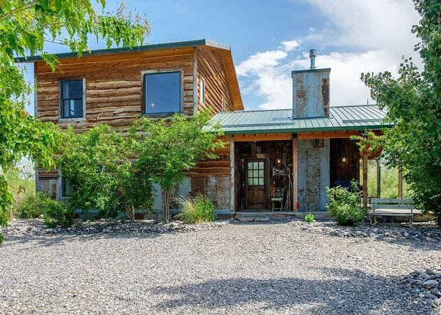 Great home in Livingston with the sounds of the creek rolling by. - Angler's Rest on the Yellowstone - McLeod - rentals