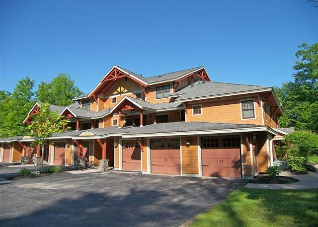Exterior of Condo Building - P001D- Managed by Loon Reservation Service - NH Meals & Rooms Lic# 056365 - Lincoln - rentals
